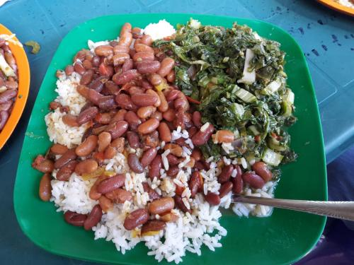 Reis mit Bohnen und Gemüse